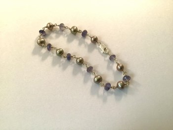 """Freshwater Pearl and Iolite Bracelet 7.5"""""""