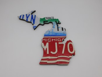 "Map-MI Vintage Plates, Small 13"" x 13"""