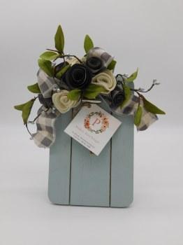 Frame 5x8 w/ Paper Roses