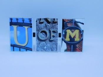 """Frame Clip """"U of M"""" Frame Measures 13"""" x 6"""" w/ 4x6 Photos"""