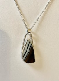 "Agate Pendant set in Sterling Silver bezel on 18"" sterling silver chain"