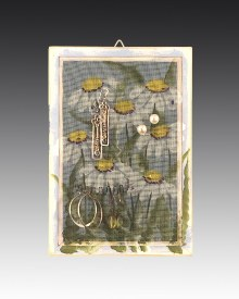 Classic Earring Holder Hanging - Daisy