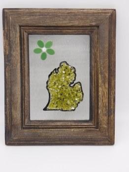 Glass Mi Flower 5x7 Green