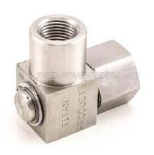 1/2in FPT Titan Stainless Steel 90 Deg. Swivel
