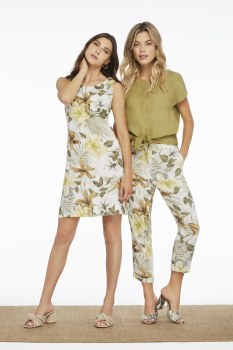 Charlie B C5185 Tropical Print Cropped Linen Pant 10 Dew