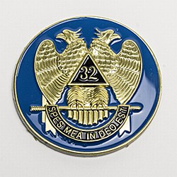 "Scottish Rite ""32"" Auto Emblem"