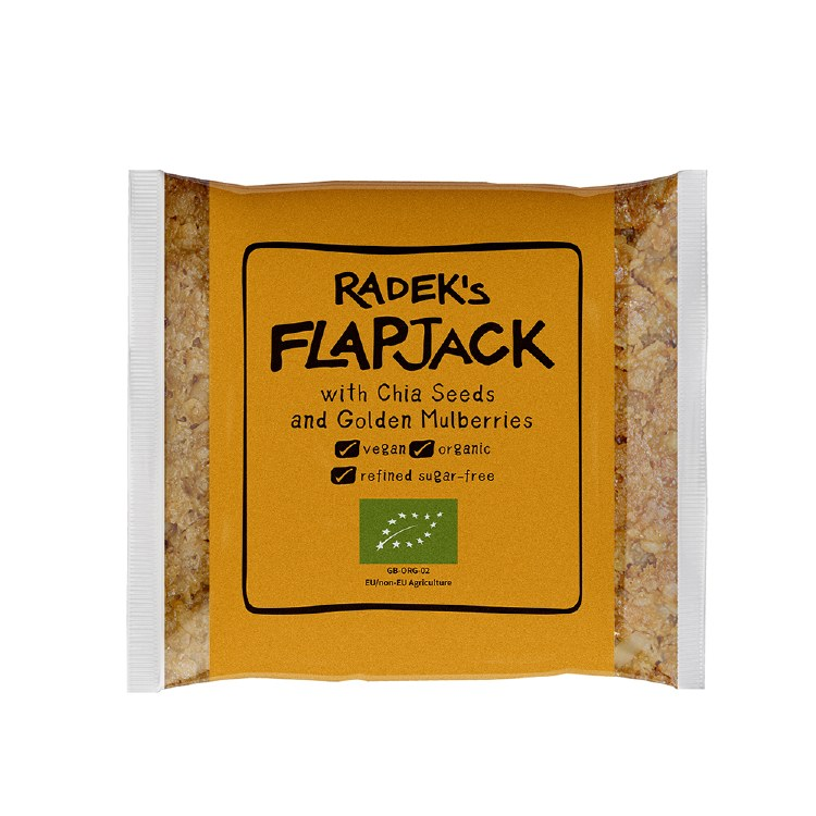 Flapjack with Chia Seeds and Golden Mulberries