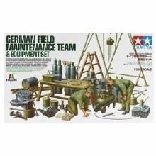 GERMAN FIELD MAINTENANCE TEAM