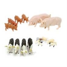 MIXED ANIMAL FARM YARD
