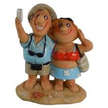 Resin Beach Couple Taking Selfie Figure