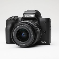 CANON EOS M50 EF-M15-45 IS STM
