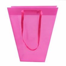 Carrybag Plastic Uni Pink (24/11x12/11x28cm)