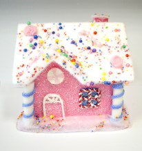Gingerbread snow house Pink