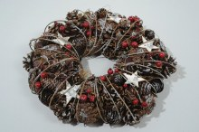 pinecone wreath with stars