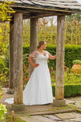 Beautiful Brides BB17517