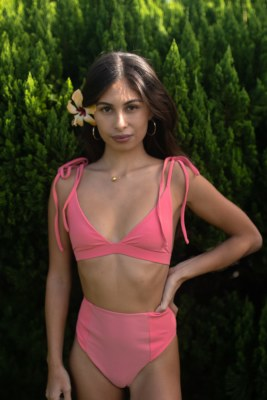 Rhea Alani Thong Guava XS