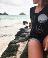 Kailua Tee ALOHA V Neck