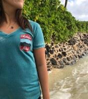 Kailua Tee Badge V Neck Women's