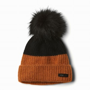 Winter Blur Pom Pom Black Cara
