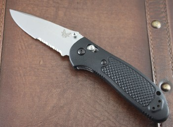 Benchmade 551S-S30V Griptilian - Black Handles - Satin Partially Serrated S30V Blade - Dual Thumbstuds - Axis Lock - 551S-S30V