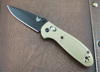 Benchmade 556BKSN-S30V Mini Griptilian - Desert Sand Handles - Black Plain Edge S30V Blade - Dual Thumbstuds - Axis Lock - 556BKSN-S30V