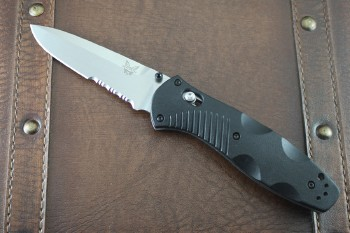 Benchmade 580S Barrage - Partially Serrated Satin 154CM Blade - Assisted Opening - Axis Lock - Black Valox Handles