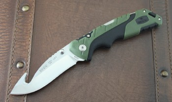 Pursuit Folder Gut Hook