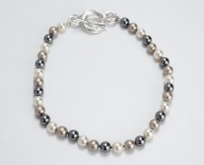 Lisa Ridout: Pearl Necklace