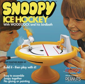Snoopy Ice Hockey Game Snap Model Kit