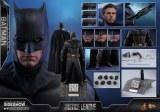 Hot Toys Justice League Movie Batman 1/6 Action Figure