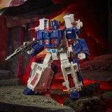 Transformers Kingdom War for Cybertron Ultra Magnus Leader Class Action Figure