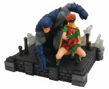 DC Gallery Dark Knight Returns Batman & Carrie Deluxe PVC Figure