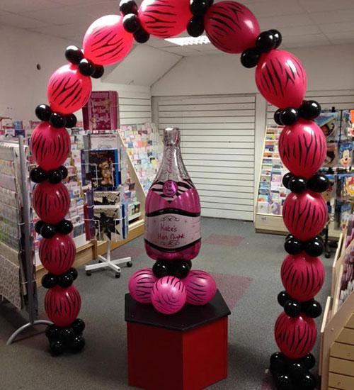 hen party balloon arch