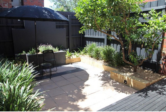 Alis Decking Oil in Black