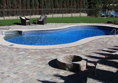 Oaks Interlocking Concrete Brick Pavers & Retaining Walls at Angelo's