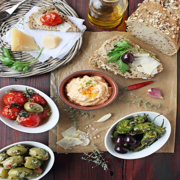 Dips, Pestos & Olives