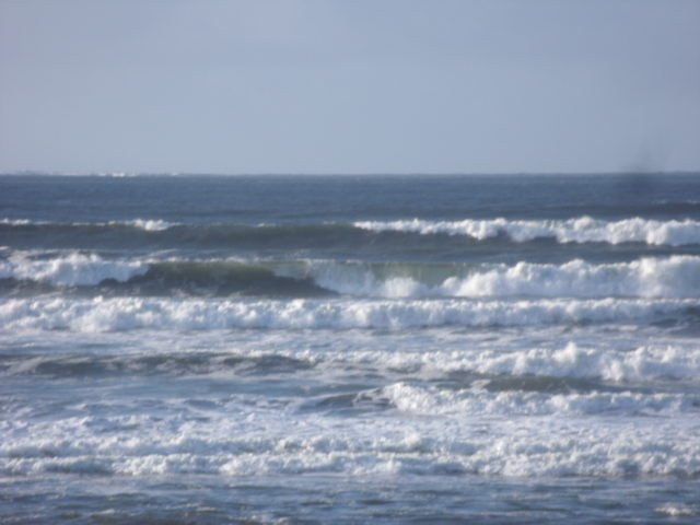 Waves directly in front of Lahinchs Surf Shop