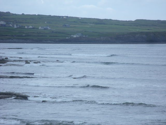Small waves at the South end of Lahinch