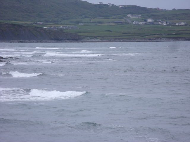1ft waves at south end of Lahinch