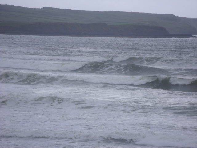 4 foot on reefs at south end of Lahinch
