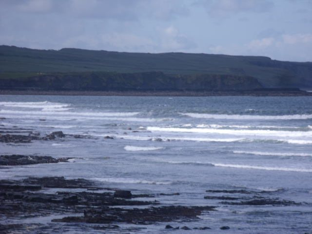 2 foot waves on the reefs to the south of Lahinch beach