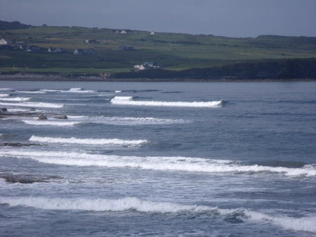 2 foot waves on the reefs to the south of Lahinch