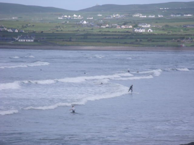 Solid 1 foot waves on the main beach