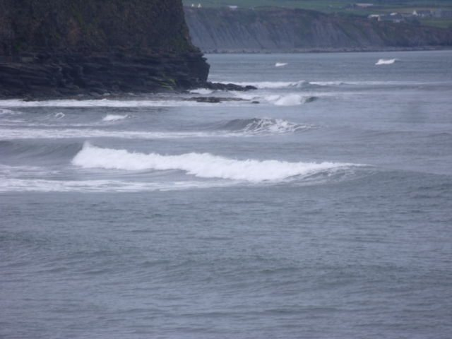 2 foot waves on the reef at the south end of lahinch