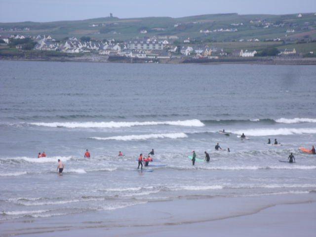 1 foot waves on main beach