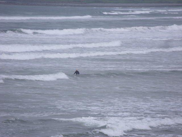 3 foot messy waves on main beach