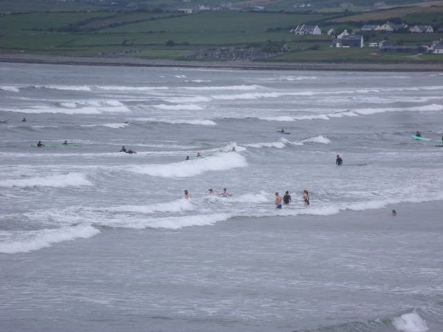 2 foot messy surf on the main beach