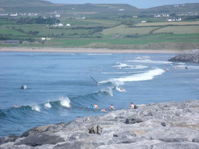 1 foot clean waves on main beach
