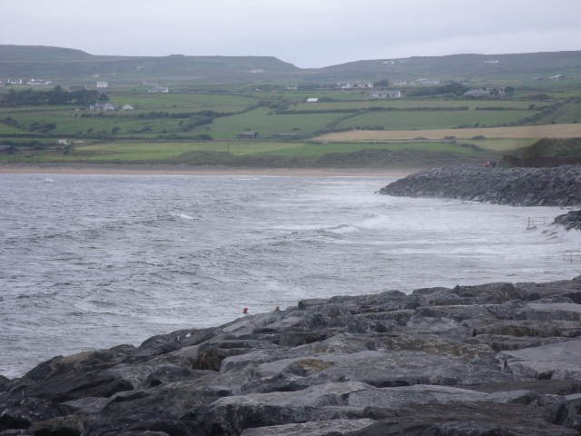Waves should be 1 foot when tide backs off the rocks