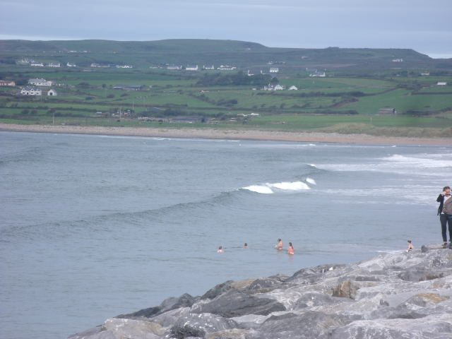 1 to 2 foot waves on the main beach
